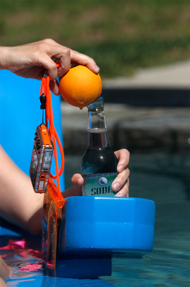JellyFish ジェリーフィッシュ フロートボール・ストラップはボトルオープナー(栓抜き)としても使える