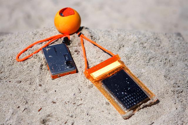 JellyFish ジェリーフィッシュ フロートボール・ストラップは砂の上でも役に立つ