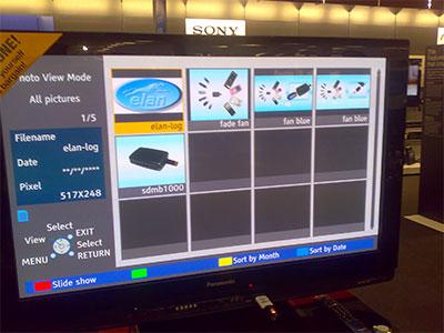 液晶TVのSDスロットにモビダプターを使ってUSBメモリーを接続